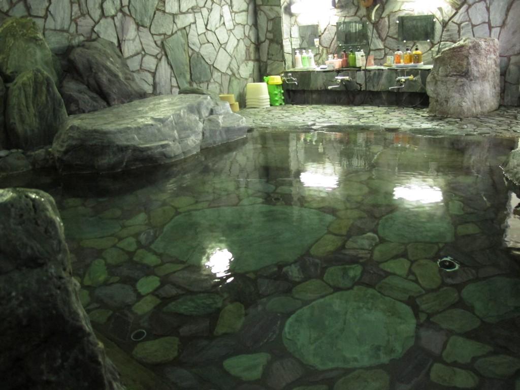 カップルで温泉デート♪関東で日帰り可能な貸切露 …