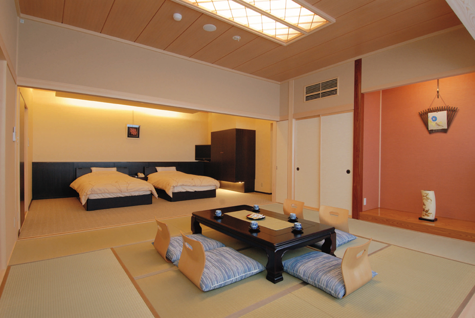 卓球もカラオケも出来る露天風呂付き客室和洋室