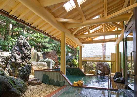 本格庭園温泉露天風呂、温泉露天風呂付き客室誕生!